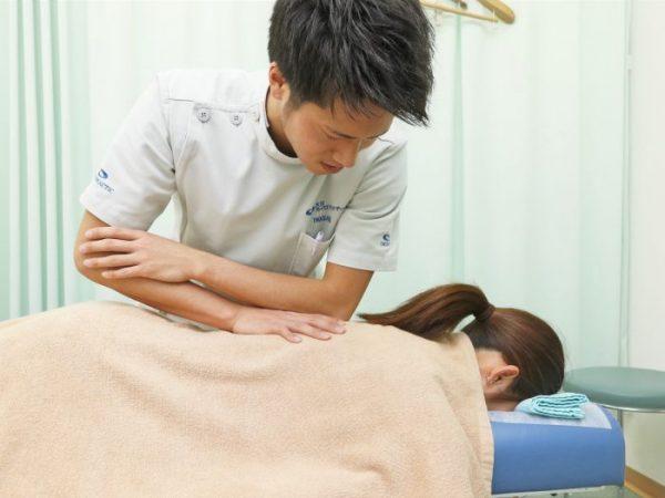 施術・メイン・腰に対する整体